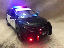 1/18 SCALE DIECAST LAPD CALIFORNIA POLICE  FORD SUV W/WORKING LIGHTS AND SIREN