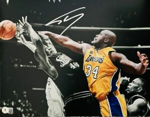 Shaq Shaquille O'Neal Signed 11x14 Photo Spotlight Lakers Beckett BAS Witnessed