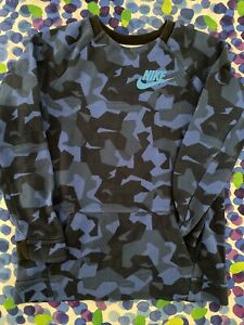 ~ Nike ~ Boys Cotton Top ~ Size 12-13 Year Old