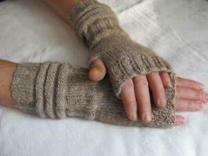 Handstulpen fingerlose Handschuhe mit Daumen handgestrickt mit Alpakawolle
