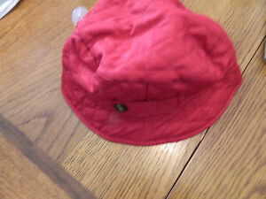 NWT baby Gap girl pink quilted bucket hat w/button accents; size 12-18m