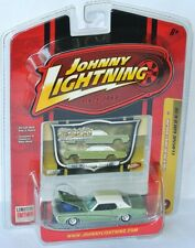 Classic Gold - 1969 MERCURY COUGAR - green/white - 1:64 Johnny Lightning
