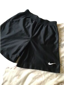 "Black Nike Shorts Size Eu164-176,US 18-20,XL Boys TG E G  24"" Waist Measurement"