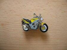 Pin Anstecker Suzuki GS 500 GS500 gelb Modell 2001 Art. 0812 Spilla Badge