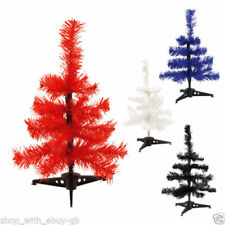Árboles de Navidad rojos sin marca