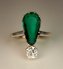 An Antique Emerald and Diamond Gold Ring