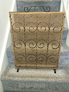 LARGE HEAVY VINTAGE CAST IRON FIRE SCREEN GUARD SHIELD GOLD MESH ORNATE SCROLLED