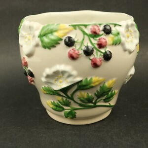 Ceramic Indoor Planter Pot .Fruit Berries & Flowers -Artepote 662/3 -13.5cm Tall
