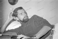 Portrait-strip-Posing-cute Bart-beard-sexy-Nude-Man-Boy-Bett-bed-13