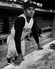 Pittsburgh Pirates ROBERTO CLEMENTE Glossy 8x10 Photo Baseball Print Poster