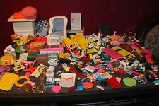 LOT OF 28 BARBIE DOLLS ECT PLUS MORE THAN 500 CLOTHING SHOES BRUSHES ECT VINTAGE