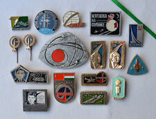 USSR Space badge Lot of 17 Rissian cosmos Soviet Spacecraft satellit pin Gagarin