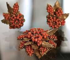 DEMARIO VINTAGE PARUE SET CORAL GLASS BEADS GOLD FILIGREE BROACH CLIP EARRING