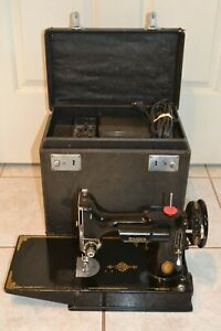 SINGER FEATHERWEIGHT SEWING MACHINE Oct 26,1950 CLEAN MACHINE  NO RESERVE