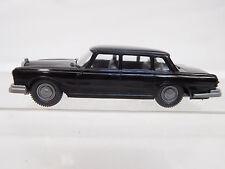 MES-51770Alter Wiking 1:87 Mercedes 600 schwarz