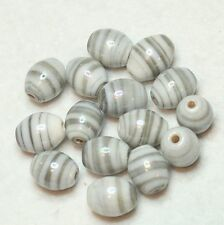 15 indien perles de verre 9 X 11 mm ovale blanc/gris à rayures (BBB591)