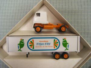 Winross Howard Johnson's Fish Fry Mondays MIB 1/64 Diecast Mack Cab 1992