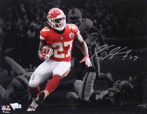 Kareem Hunt Signed Kansas City Chiefs 11x14 Photo Fanatics Authentic