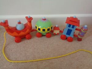 In The Night Garden Pull Along Wobbly Ninky Nonk Train Set 17 inch long
