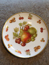 HMS Royal Hanover fruit and nut bread plate - 73/4 inches