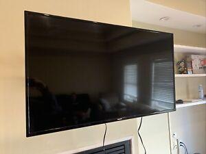 "Philips 43"" Smart Class 4K (2160P) LED TV (43PFL5603/F7) - Slightly Used"