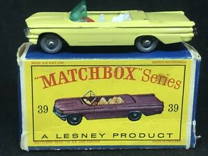 Matchbox Lesney 39 B3 Pontiac Convertible (Yellow SPW & Red SW) & Type D2 Box