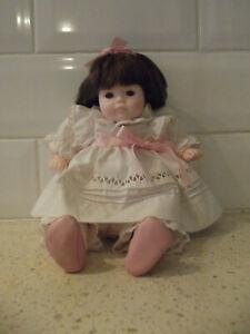 Very Pretty Pauline Bjonness Jacobsen Collector Doll 26 cm high Good Condition
