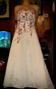 White strapless satin wedding dress with embroidered red flowers size 14