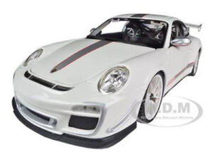 PORSCHE 911 GT3 RS 4.0 WHITE 1/18 DIECAST CAR MODEL BY BBURAGO 11036