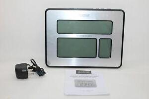 LA CROSSE TECHNOLOGY Battery Operated Atomic Digital Wall Clock w/Backlight BNIB