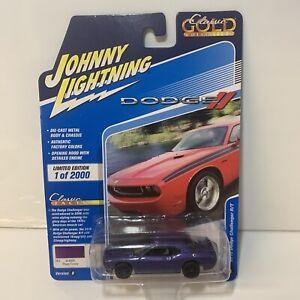 Johnny Lightning JLCG023 Classic Gold Version B 2010 Dodge Challenger R/T Plum