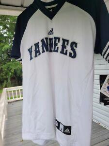 SUPER NWT Boys Youth Adidas NY Yankees 2 Jeter Baseball TShirt Shirt MED 10 12