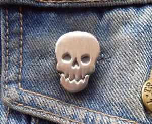 Metal Skull Pewter Pin Badge