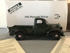 Danbury Mint 1941 Plymouth Pickup 1:24 Dark Green & Black