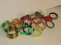 COLLECTION VINTAGE BAKELITE  LUCITE  PLASTIC  BANGLE BRACELETS