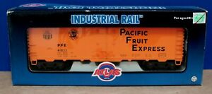 Atlas Industrial Rail 1002001-2  UP/SP Pacific Fruit Express Reefer 41833 NIB