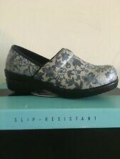 Savvy nursing shoes- Brandy Silver Floral