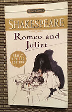 Romeo and Juliet - Shakespeare - Paperback Book