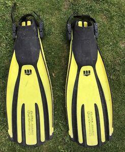 XL MARES (Quattro Plana Avanti) Scuba / Snorkelling Fins - Excellent Condition