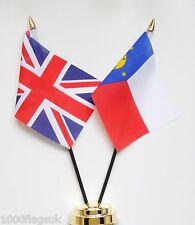United Kingdom & Wake Island Double Friendship Table Flag Set