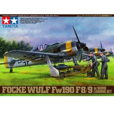Tamiya 61104 Fock Wolf Fw190 F8/9 w/Bomb Loading Set 1/48