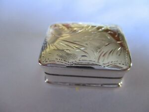 NIELLO SILVER BOX Mid-19th century Continental niello sterling silver pill box with decor of flowering branches