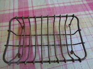 ANTIQUE WIRE/METAL SOAP DISH/HOLDER  6 X 4 INCHES