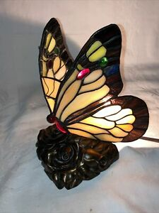 Signed Quoizel Tiffany Style Stained Glass Butterfly Lamp w Cast Iron Roses Base