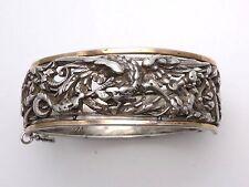 Ancien très beau bracelet jonc en argent massif à decor d'une chimère 1900