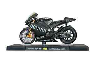 VALENTINO ROSSI Yamaha YZR-M1 2004 MotoGP Bike - Collectable Model - 1:18 Scale