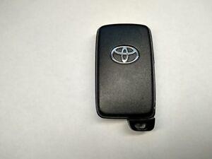 89904-47170 Two Buttons Toyota Smart Key Prius Aqua Corolla Iq Ractis OEM JDM
