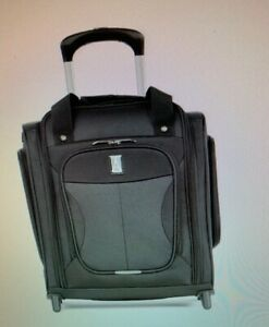 Travelpro Walkabout 5 Softside Rolling Under-The-Seat Bag/carry on,orig..$260