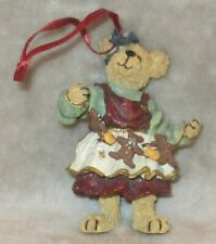 """Boyds Bears Collection """"Ginger's Holiday Garland Baker's Delight"""" ornament 25747"""