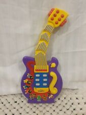 The Wiggles Wiggling Dancing Guitar 2004 Spin Master  *Faulty no sound